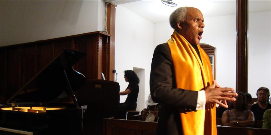 Maestro Illo Humphrey